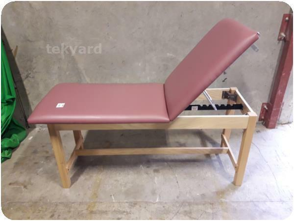 CLINTON INDUSTRIES EXAM TABLE / MASSAGE TABLE % (233654)