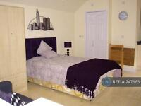 Studio flat in Bryncoch, Bridgend, CF32