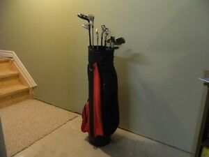 Golf Bag with various RH Graphite Shaft Clubs