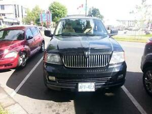 2005 Lincoln Navigator Ultimate SUV, Crossover