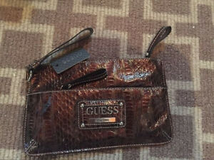 GUESS clutch. BRAND NEW! Cambridge Kitchener Area image 1
