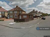 1 bedroom in Langley Crescent, Harlington, UB3