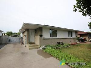 Semi-detach 4 level house sale:Forest Glade-Windsor/Ontario
