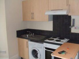 Studio flat available near city centre (Easton)