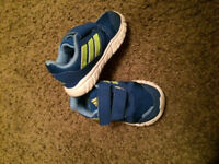 Sneakers Adidas Size 6 for Toddler boy