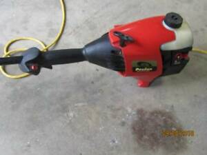 32cc Poulan straight shaft trimmer