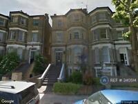 3 bedroom flat in Garlinge Road, London, NW2 (3 bed)