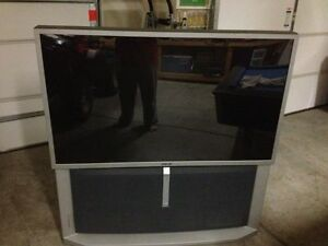 "SONY REAR PROJECTION TV 57"" EXCELLENT PICTURE Kawartha Lakes Peterborough Area image 1"