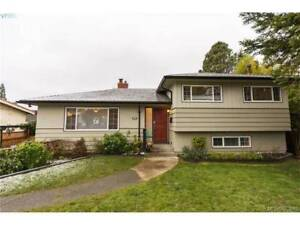 4 bedroom house near UVic for Rent