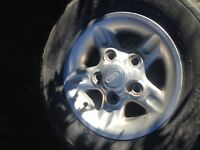 Land Rover 5 Rims and tires with spare cover 'REDUCED' MUST SELL