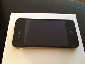 GREAT condition iPhone 4s & Otterbox London Ontario image 1