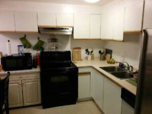 $650 / 1br - Avail Now/Dec. 01 clean furn rm UBC