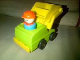 Vintage Fisher Price play family little people construction vehicle truck digger with workman