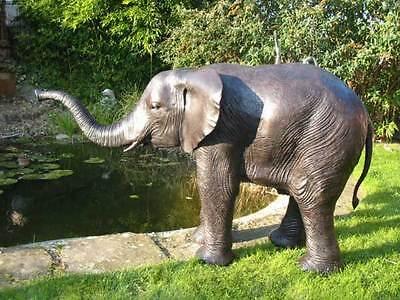 Bronzeskulptur, Elefant, Wasserpeier, Dekoration für ihren Garten aus Bronze