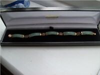 9ct gold jade bracelet