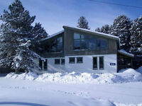 October Sale ! Blue Mountain Chalets from $49 PP per Night