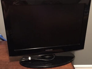 "Good condition 22"" Samsung flat screen tv"