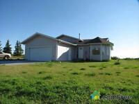 House in 3.78 ac by Devon ab