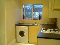 Newly refurbished 3 Bedroom flat close to Ilford Station