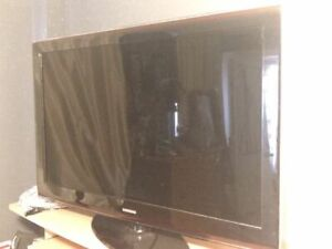 SAMSUNG LCD TV 1080P HIGH DEF. FOR PARTS OR REPAIR.