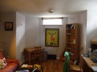 Immaculately presented 1 bedroom flat for rent in central Didsbury village location