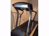 Life Fitness T3-5 Treadmill Running machine -Commercial grade Practically Bran new. Give me an Offer