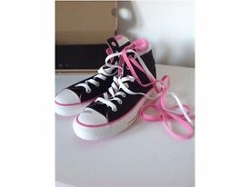 *** BRAND NEW BLACK, WHITE AND PINK CONVERSE ***
