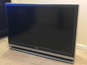 Sony Grand WEGA KDF-46E2000 46-Inch 3LCD Rear Projection TV