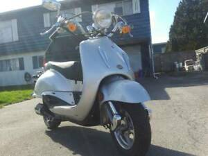 Beautiful Classic Looking Scooter MUST SEE!!