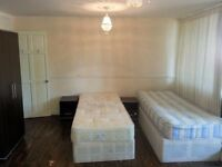 Triple room with private toilet for 3 friends Acton Central,West London. All Bills and wifi included