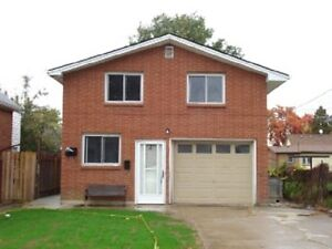 CLEAN DUPLEX IN GREAT AREA OF LEAMINGTON is SOLD SOLD