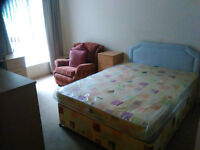 Double Room, Detached House (wi-fi, bills included) Short Lets Considered