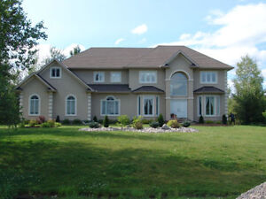 Beautiful 5 bed, 4 bath home on Emerald Links Golf Course