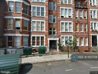 1 bedroom flat in Cormont Road, London, SE5 (1 bed) (#1105758)