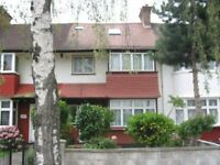 Double rooms in a house near Acton Town tube station & Gunnersbury park. Rent includes utility bills