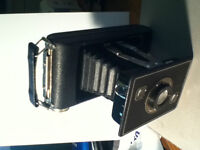 Vintage Kodak Jiffy Series II Folding Land Camera with Box MINT