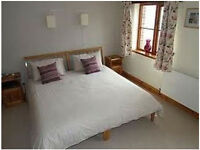 Spacious 4 bed house in Chigwell, Essex - Fully furnished - Driveway - Garden!!!