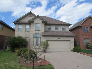 FULL BRICK 2 STOREY HOME LOCATED IN PRESTIGIOUS SOUTHWOOD LAKES