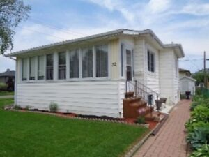 PRICED FOR QUICK SALE 22 WHITNEY NEAT/CLEAN /MOVEIN