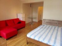 Double Room close to Forest Hill Station