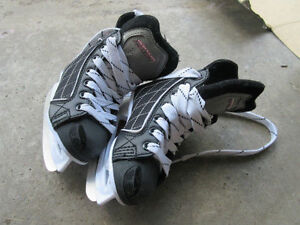 Youth size 11 Hespeler Hockey skates Kitchener / Waterloo Kitchener Area image 1
