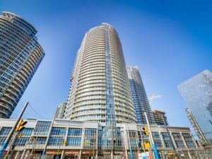 HIGH FLOOR ✤DOWNTOWN TORONTO✤ PARKING & LOCKER INCLUDED