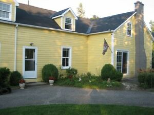Country House, quiet setting - R.R. #1 Kingston, Highway #2 East