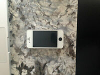 iPhone 4s with ROGERS & Chat-R in very good condition