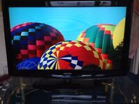 """Samsung 40"""" LCD TV HD Ready with Freeview and 3 HDMI all fully working comes with remote and power"""