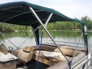 Wanted, Pontoon Boat