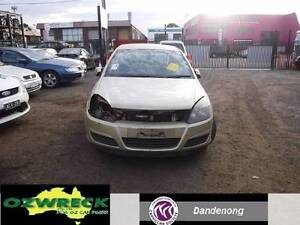 04 HOLDEN AH ASTRA 5 DOOR HATCH WRECKING WHOLE VEHICLE W/NUT ONLY Dandenong Greater Dandenong Preview