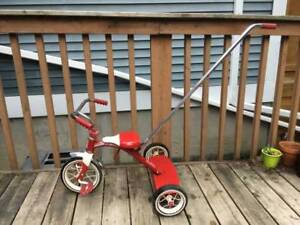 Kids Radio Flyer classic tricycle