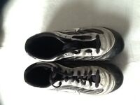 Soccer shoes size 7.5