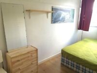 BOOK IN ADVANCE - LOVELY DOUBLE FOR ONE *** MANOR HOUSE *** 300 DEPOSIT